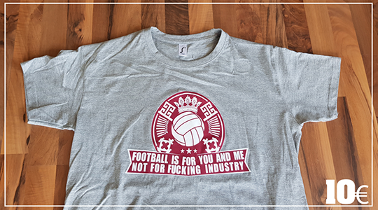 T-Shirt Football is for you and me